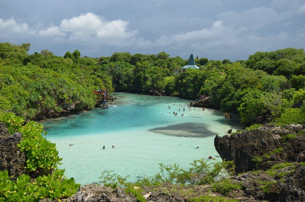 explore-sumba-weekuri-lake